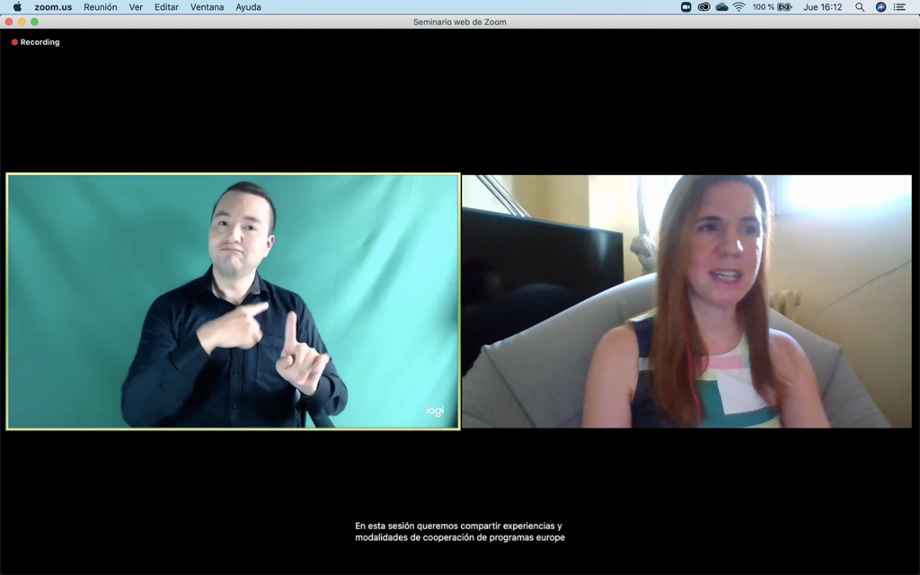 Screenshot of the webinar with the moderator and the sign language interpreter